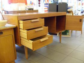 ruempelstilzchen 60er jahre schreibtisch. Black Bedroom Furniture Sets. Home Design Ideas