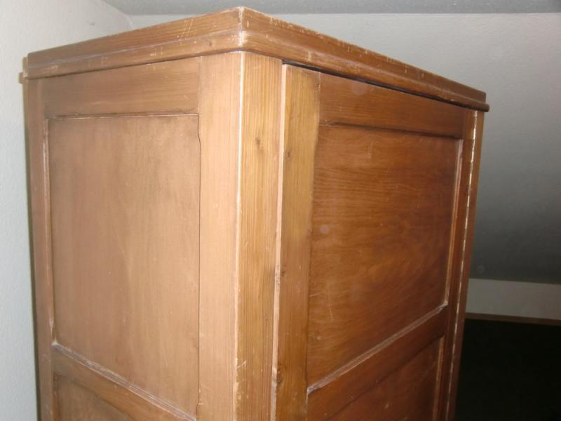 ruempelstilzchen 30er jahre kleiner kleiderschrank weichholz. Black Bedroom Furniture Sets. Home Design Ideas
