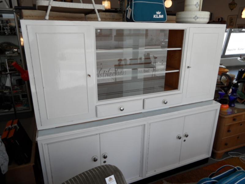 ruempelstilzchen 40er jahre k chenbuffet gro und wei. Black Bedroom Furniture Sets. Home Design Ideas