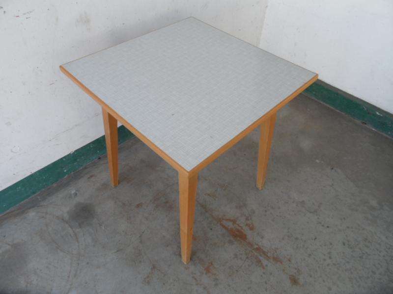 ruempelstilzchen kleiner k chentisch resopal 60er. Black Bedroom Furniture Sets. Home Design Ideas