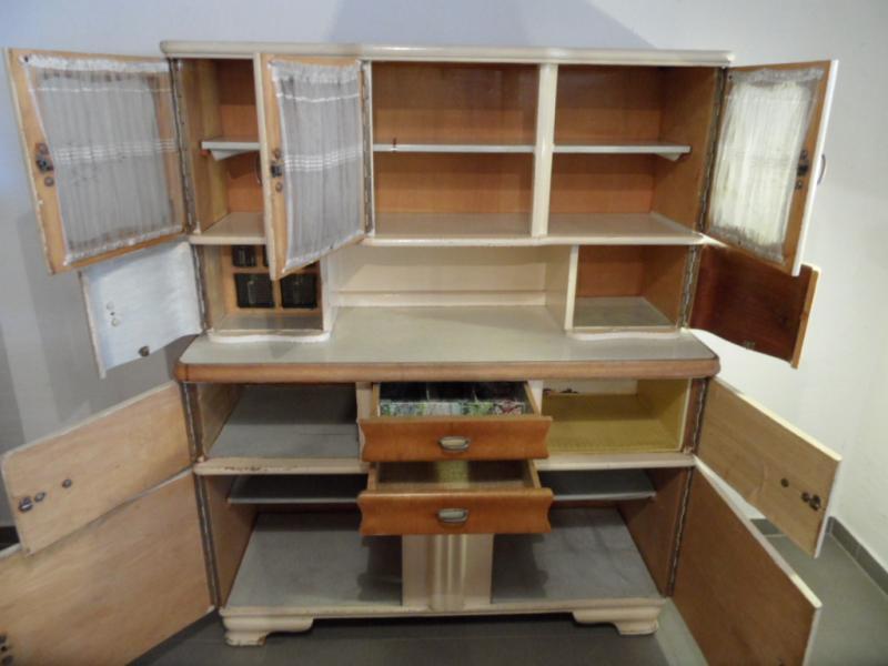 ruempelstilzchen 40er jahre k chenbuffet gelsenkirchener barock. Black Bedroom Furniture Sets. Home Design Ideas