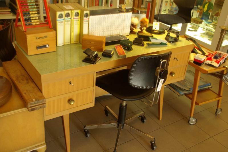 Ruempelstilzchen 50er jahre schreibtisch designklassiker for Schreibtisch 70er jahre