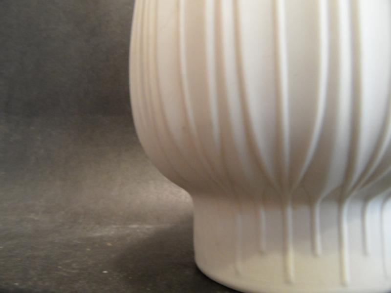 Bisquitporzellan vasen