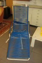 ruempelstilzchen blauer stahlrohrliegestuhl aus den 60ern. Black Bedroom Furniture Sets. Home Design Ideas
