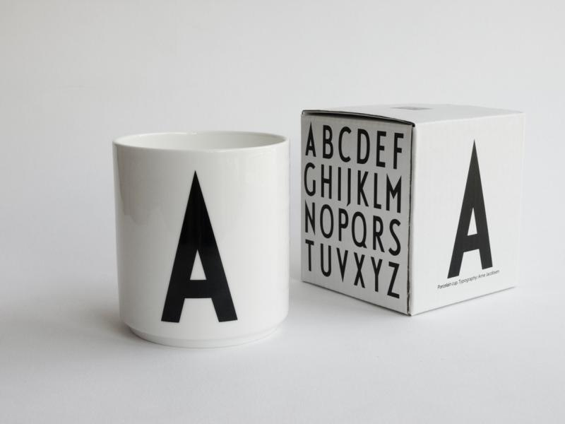 ruempelstilzchen a typographie tasse arne jacobsen. Black Bedroom Furniture Sets. Home Design Ideas