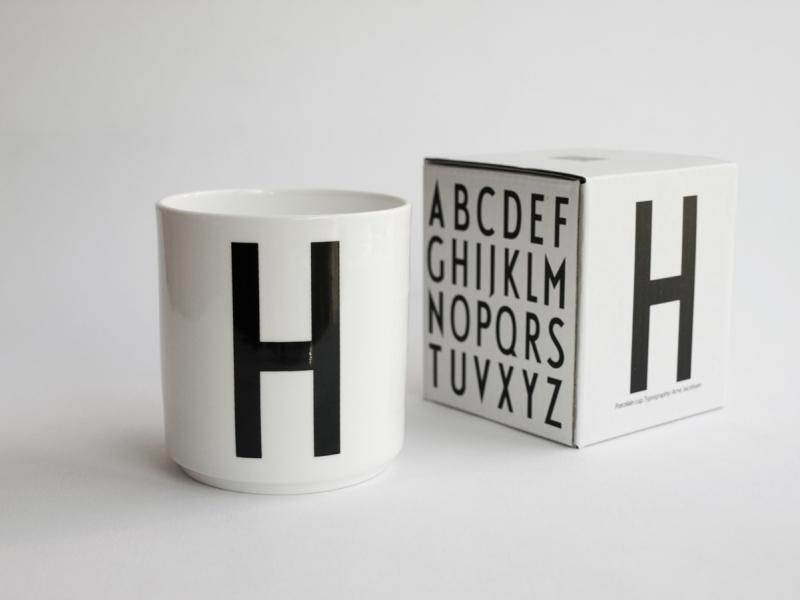 ruempelstilzchen h typographie tasse arne jacobsen. Black Bedroom Furniture Sets. Home Design Ideas