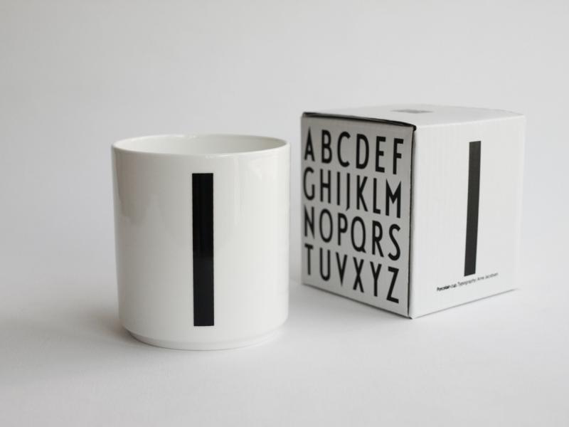 ruempelstilzchen i typographie tasse arne jacobsen. Black Bedroom Furniture Sets. Home Design Ideas