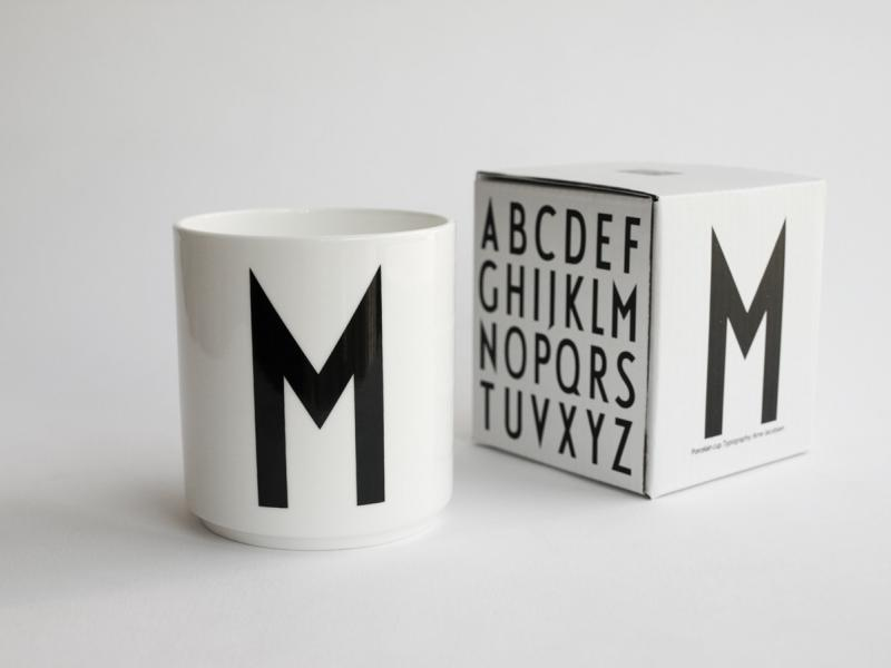 ruempelstilzchen m typographie tasse arne jacobsen design letters. Black Bedroom Furniture Sets. Home Design Ideas
