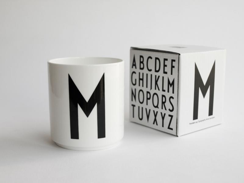 ruempelstilzchen m typographie tasse arne jacobsen design letters. Black Bedroom Furniture Sets. Home Design Ideas