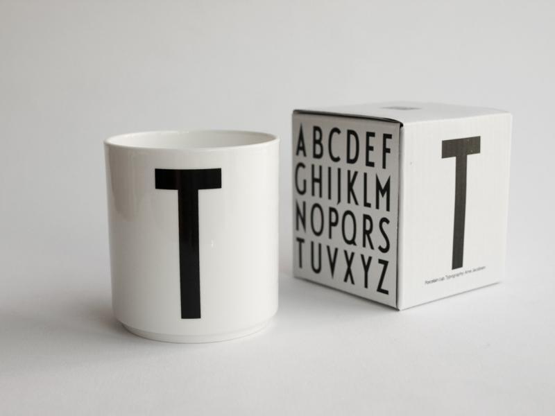 ruempelstilzchen t typographie tasse arne jacobsen design letters. Black Bedroom Furniture Sets. Home Design Ideas