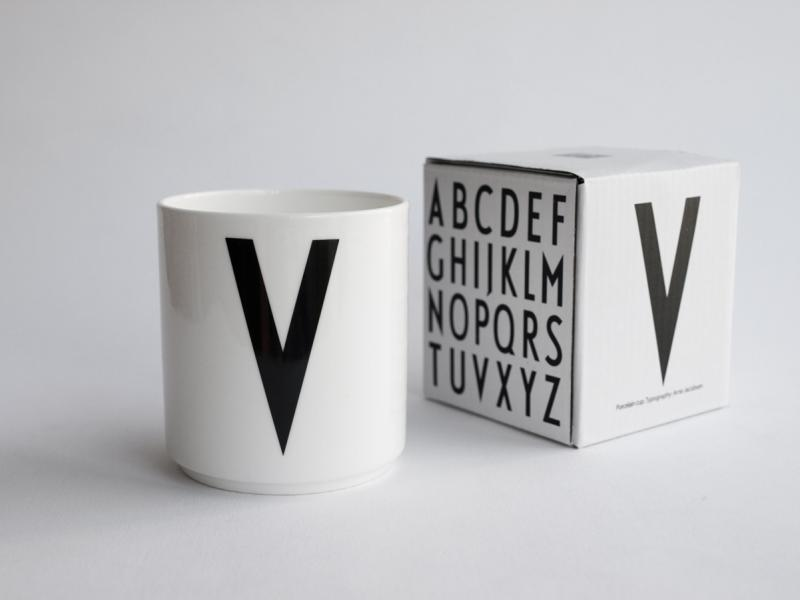 ruempelstilzchen v typographie tasse arne jacobsen design letters. Black Bedroom Furniture Sets. Home Design Ideas
