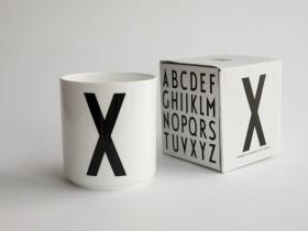 ruempelstilzchen milchk nnchen arne jacobsen design. Black Bedroom Furniture Sets. Home Design Ideas