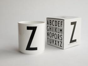 ruempelstilzchen q typographie teller arne jacobsen design letters. Black Bedroom Furniture Sets. Home Design Ideas