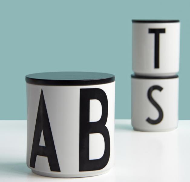 ruempelstilzchen g typographie teller arne jacobsen design letters. Black Bedroom Furniture Sets. Home Design Ideas