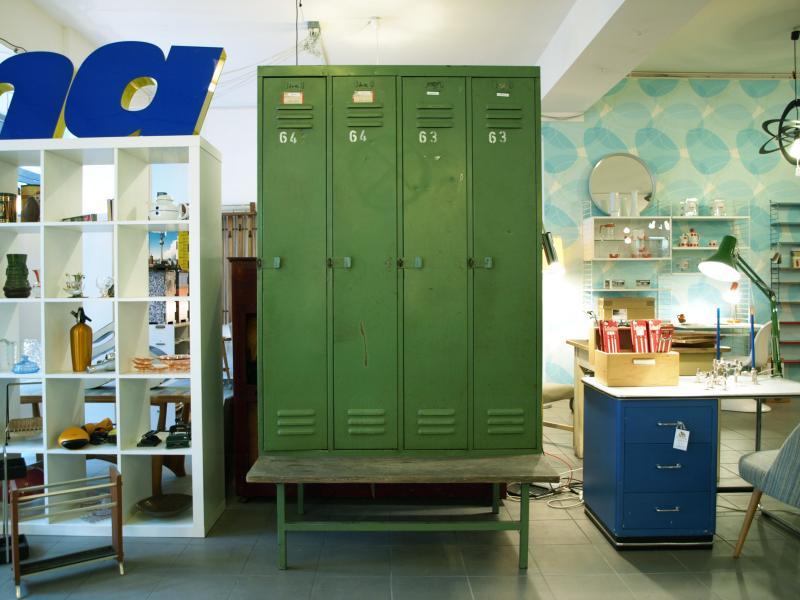 ruempelstilzchen 4er spind mit holzbank metallschrank. Black Bedroom Furniture Sets. Home Design Ideas