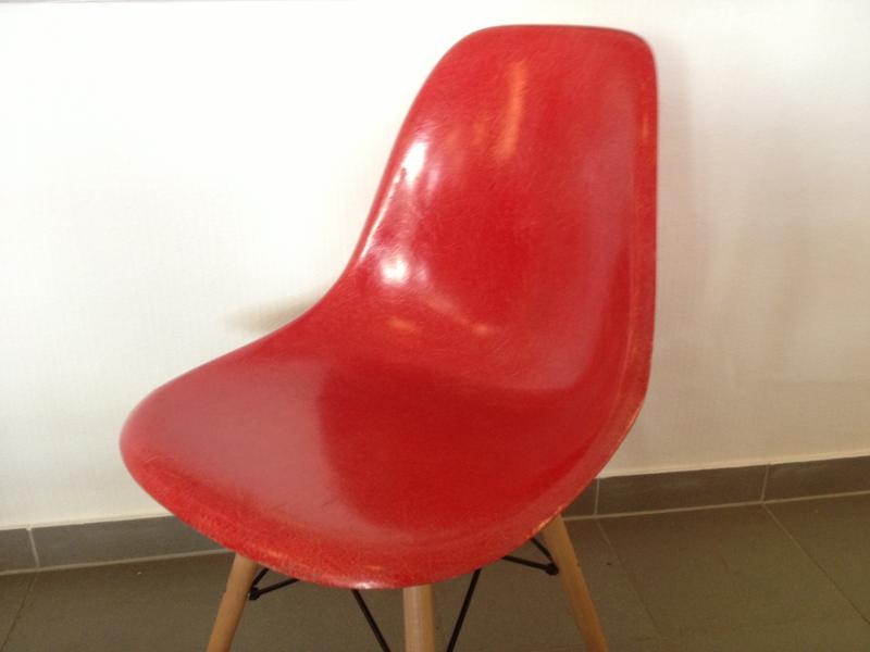 ruempelstilzchen fiberglas side chair dsw rot eames 1950. Black Bedroom Furniture Sets. Home Design Ideas