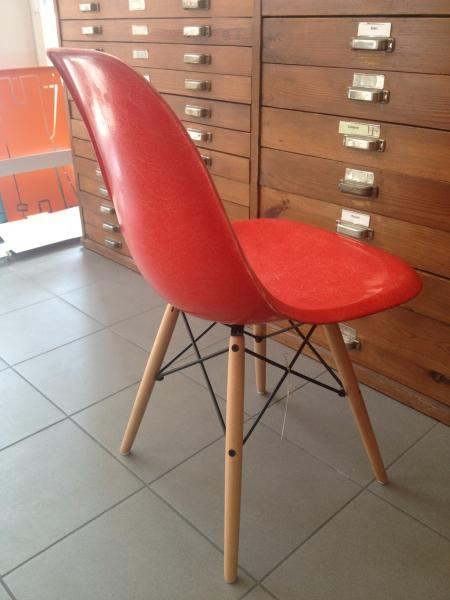 Ruempelstilzchen fiberglas side chair dsw rot eames 1950 for James eames dsw