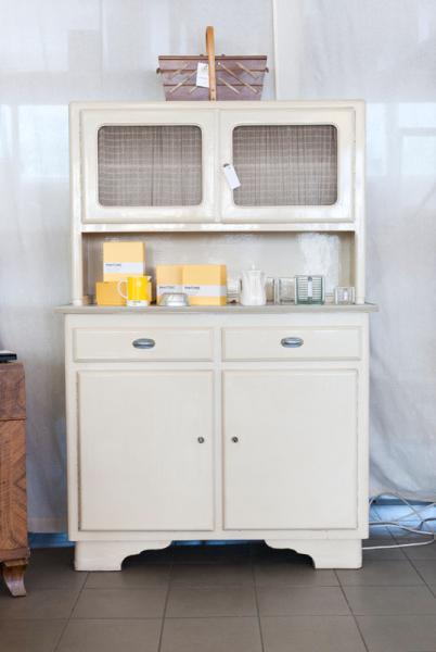 ruempelstilzchen k chenbuffet 50er jahre. Black Bedroom Furniture Sets. Home Design Ideas