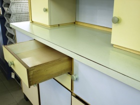 ruempelstilzchen tisch. Black Bedroom Furniture Sets. Home Design Ideas