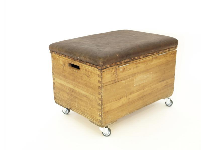 ruempelstilzchen turnkasten truhe. Black Bedroom Furniture Sets. Home Design Ideas