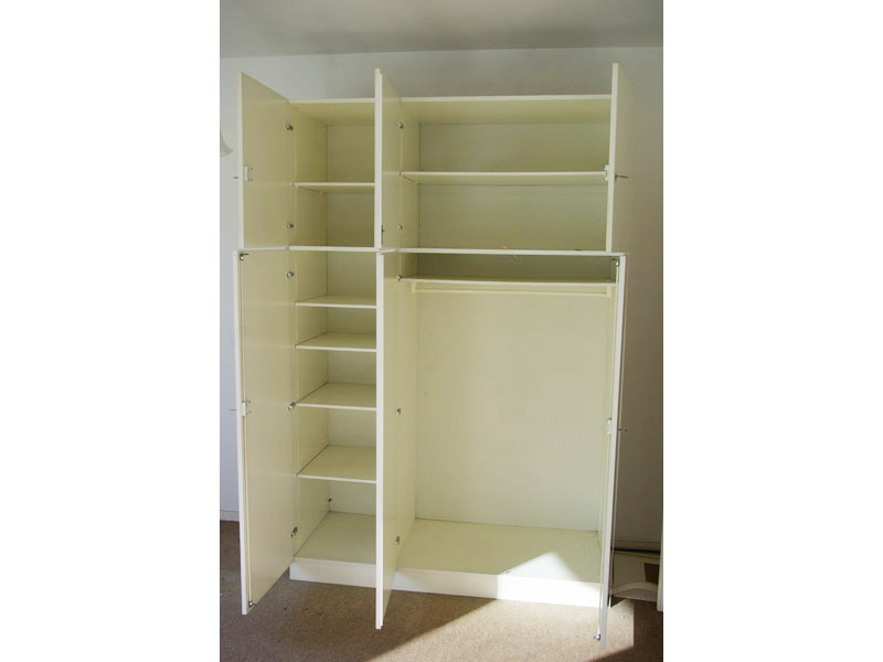 ruempelstilzchen 70er jahre kleiderschrank 3 t rig wei. Black Bedroom Furniture Sets. Home Design Ideas