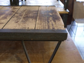 Ruempelstilzchen tisch for Design couchtisch orbit