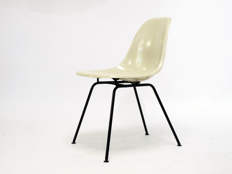ruempelstilzchen eames side chair dax herman miller. Black Bedroom Furniture Sets. Home Design Ideas