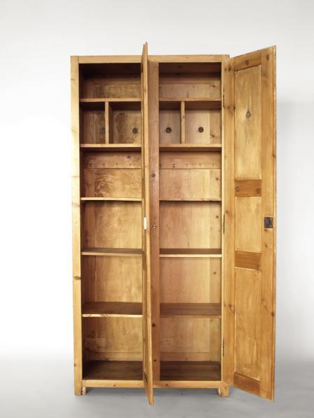 ruempelstilzchen spind holzschrank. Black Bedroom Furniture Sets. Home Design Ideas