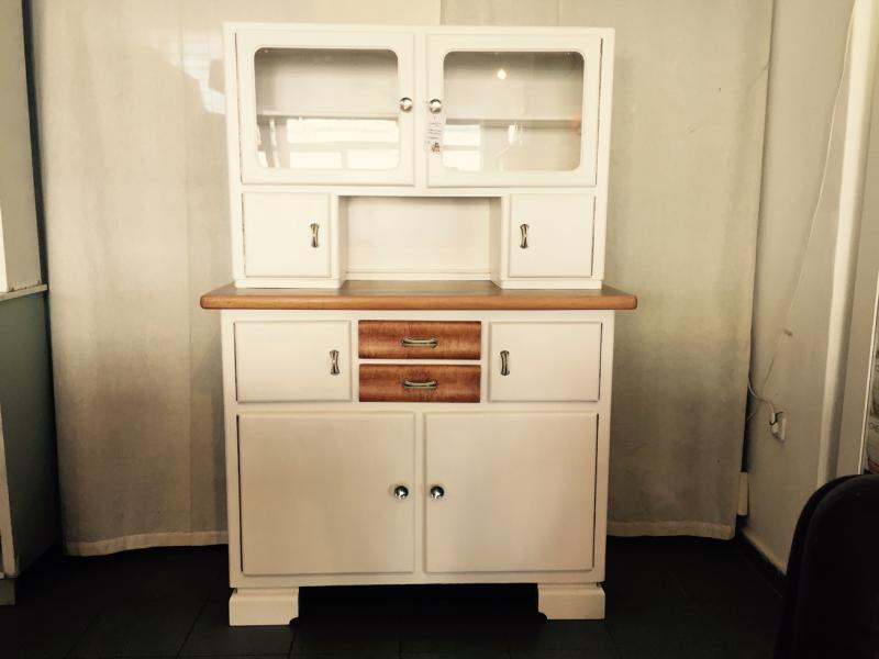 ruempelstilzchen kleines k chenbuffet 40er. Black Bedroom Furniture Sets. Home Design Ideas
