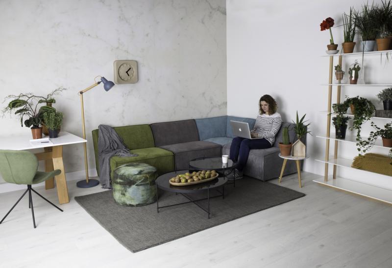 ruempelstilzchen sofa aus cord james von zuiver bunt oder schlicht. Black Bedroom Furniture Sets. Home Design Ideas