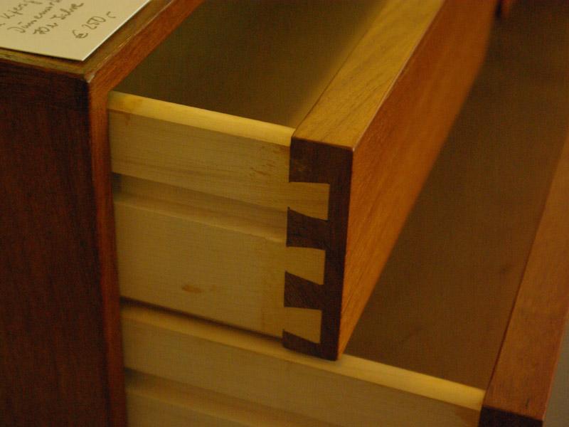 ruempelstilzchen 70er jahre teakholz sideboard d nemark aksel kjersgaard. Black Bedroom Furniture Sets. Home Design Ideas