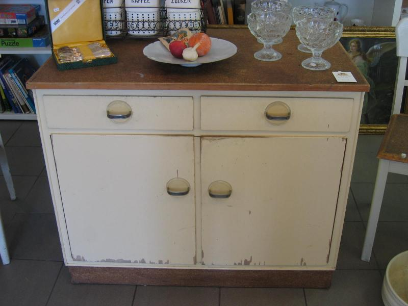 Ruempelstilzchen Kleine Küchenkommode Mit Linoleumplatte