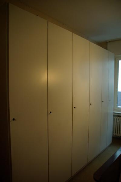 ruempelstilzchen 6 t riger interl bke kleiderschrank 70er jahre. Black Bedroom Furniture Sets. Home Design Ideas