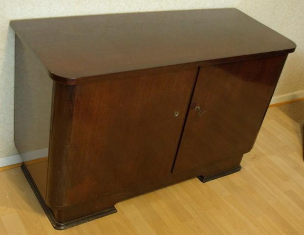 ruempelstilzchen rockabilly kommode 50er jahre. Black Bedroom Furniture Sets. Home Design Ideas