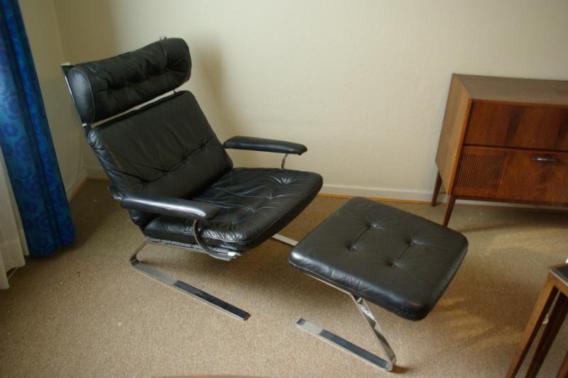 ruempelstilzchen schwarzer leder loungechair wie cor sinus 70er. Black Bedroom Furniture Sets. Home Design Ideas
